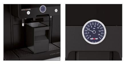 Kaffeesatzbehälter (l.) und digitales Manometer (r.)